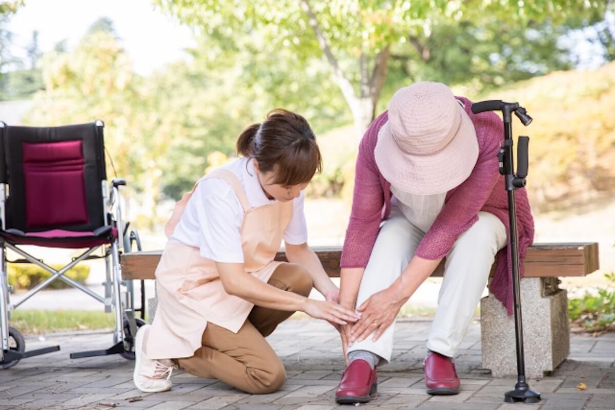 介護事故が発生したら!原因や対応方法、防止策を事例付きで徹底解説!